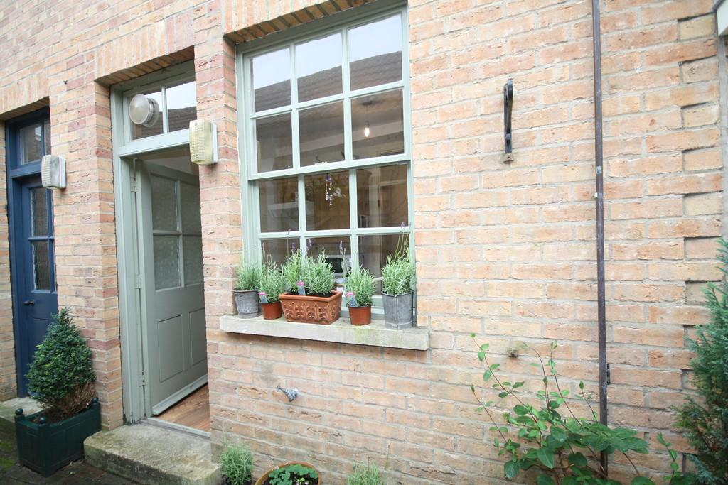 2 Bedrooms Terraced House for sale in Scotgate, Stamford