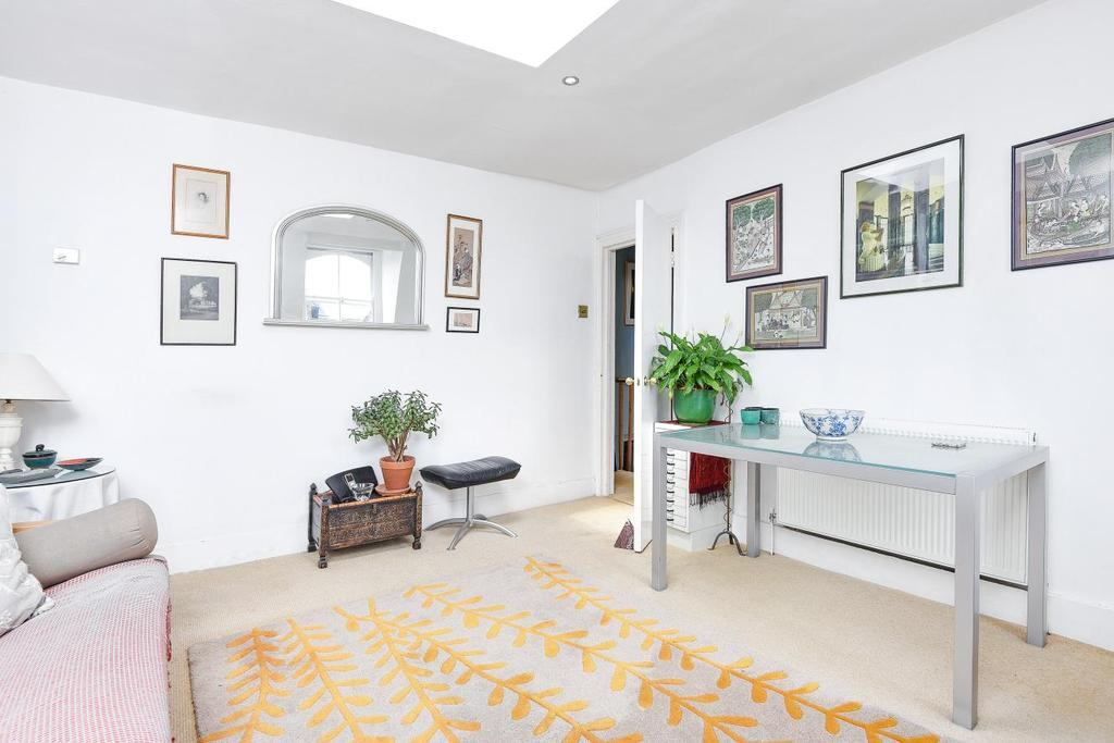 1 Bedroom Flat for sale in Oberstein Road, Battersea