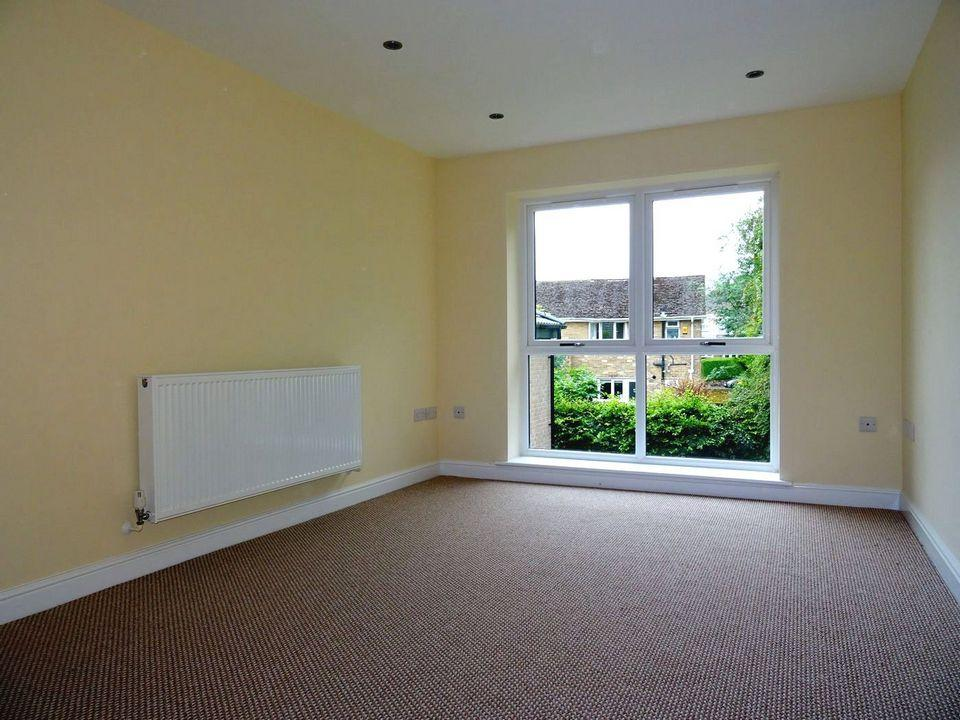2 Bedrooms Flat for sale in Flat 4, Beechwood, Backmoor, 33 Blackstock Road, Sheffield, S14 1AB