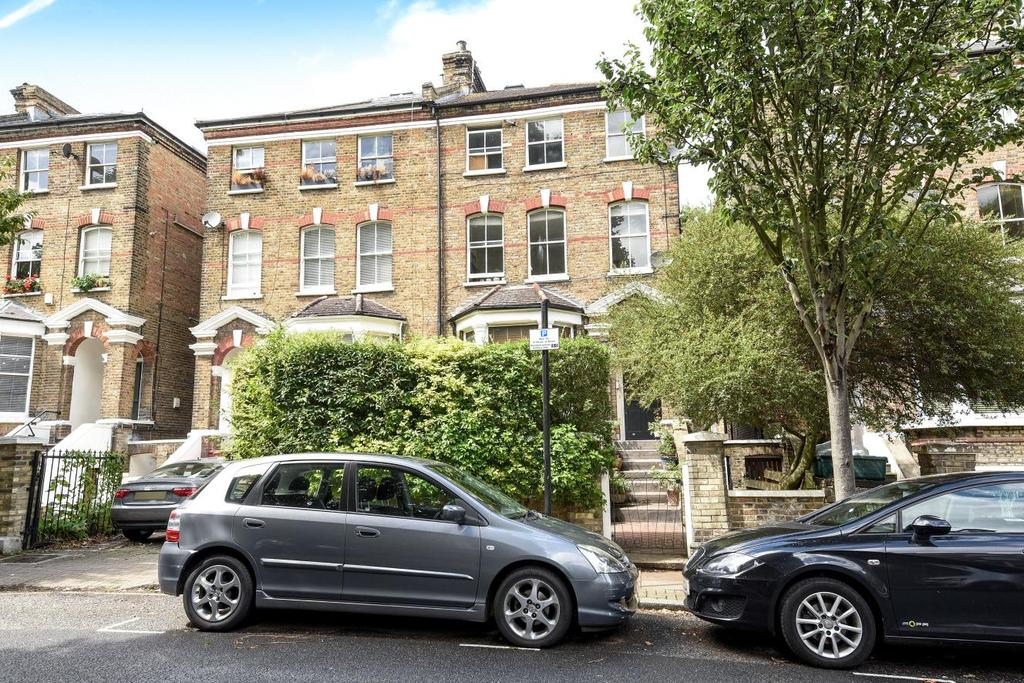 2 Bedrooms Flat for sale in Hartham Road, Hillmarton Conservation Area
