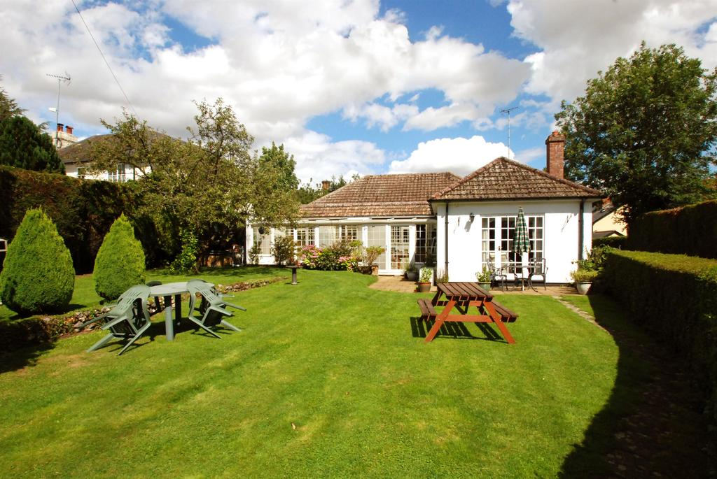 4 Bedrooms Detached House for sale in Half Acre Lane, Great Hormead, Buntingford