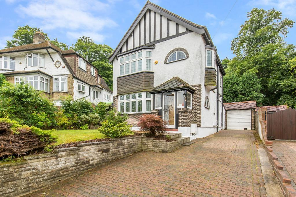 3 Bedrooms Detached House for sale in The Woodfields, Sanderstead, South Croydon, Surrey, CR2 0HE
