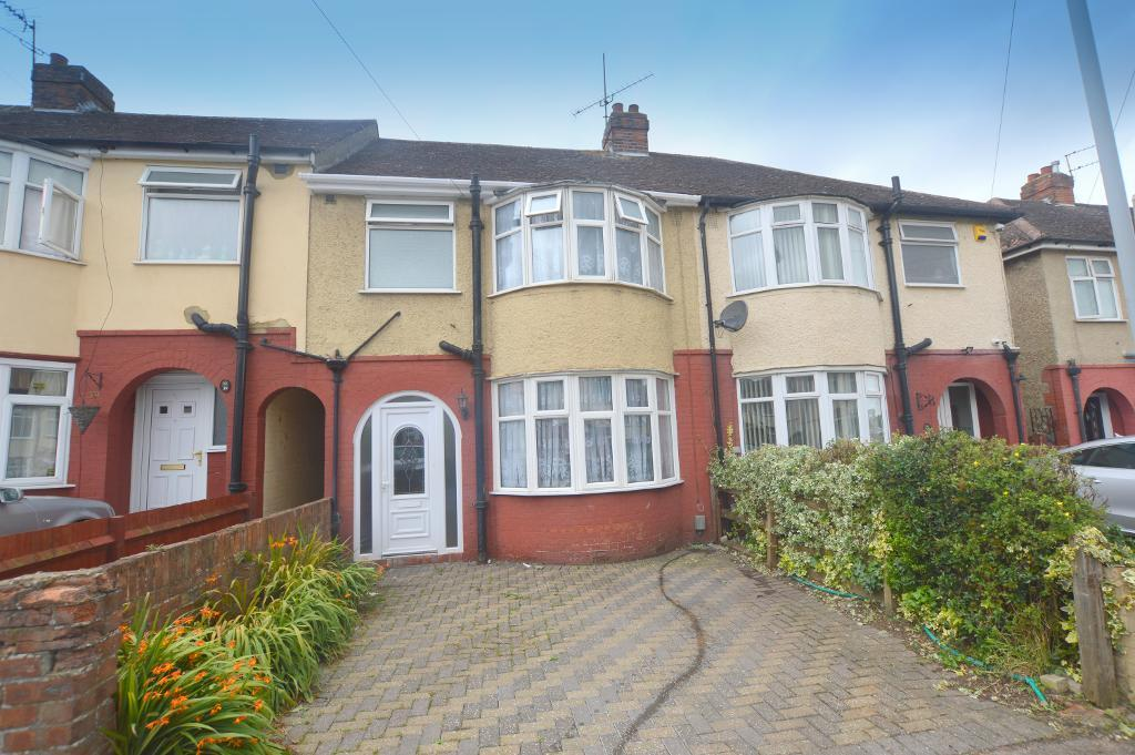 3 Bedrooms Terraced House for sale in Shelley Road, Luton, Bedfordshire, LU4 0HZ