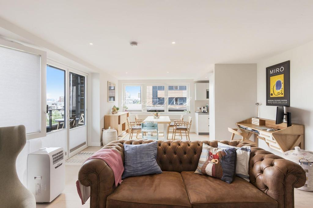 3 Bedrooms Flat for sale in The Cooper Building, Islington, N1
