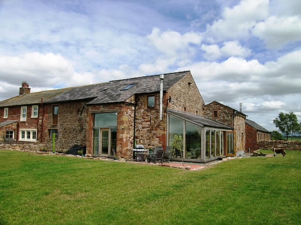 4 Bedrooms Barn Conversion Character Property for sale in Kirksteads Barn