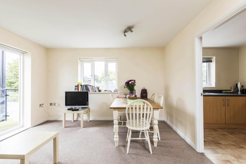 2 Bedrooms Apartment Flat for sale in Gisors Road, Southsea