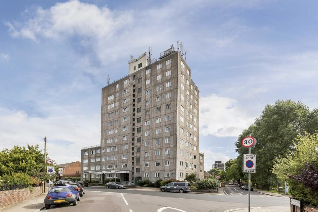 2 Bedrooms Apartment Flat for sale in Clarendon Road, Southsea