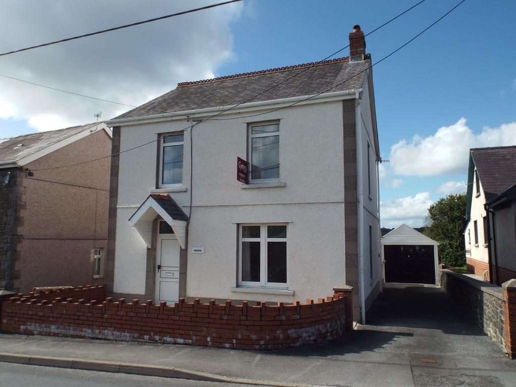 3 Bedrooms Detached House for sale in Mary Street, Drefach