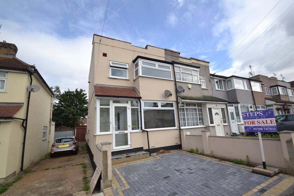 2 Bedrooms End Of Terrace House for sale in Elm Park Avenue, Hornchurch
