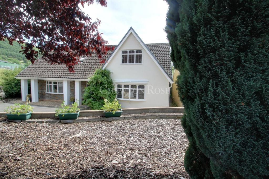 5 Bedrooms Detached House for sale in Rhymney,Abertysswg, Gwent