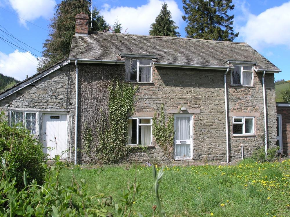 2 Bedrooms Detached House for sale in Bucknell, Craven Arms, SY7