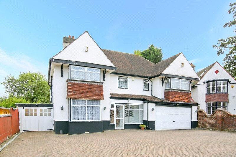 5 Bedrooms Detached House for sale in Hill Drive, Norbury, SW16