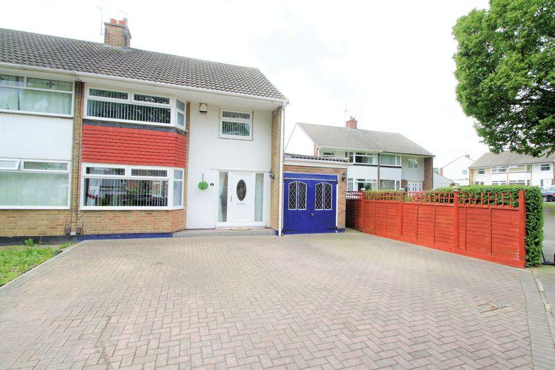 3 Bedrooms Semi Detached House for sale in Manor Place, Fairfield, Stockton-On-Tees, TS19 7HF