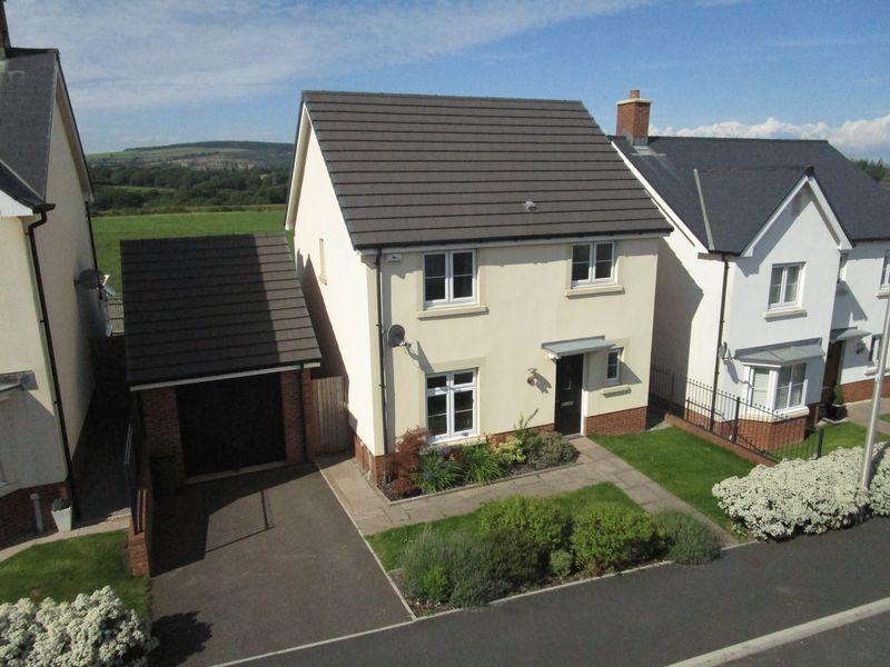 3 Bedrooms Detached House for sale in 60 Bryn Celyn, Llanharry, Pontyclun, CF72 9ZE