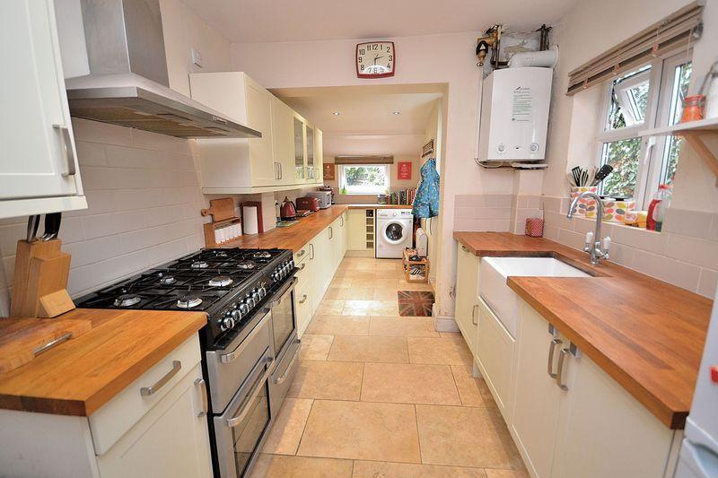 2 Bedrooms Terraced House for sale in Stanbridge Road, Leighton Buzzard