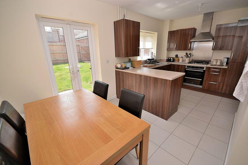 4 Bedrooms Detached House for sale in Fieldfare, Leighton Buzzard