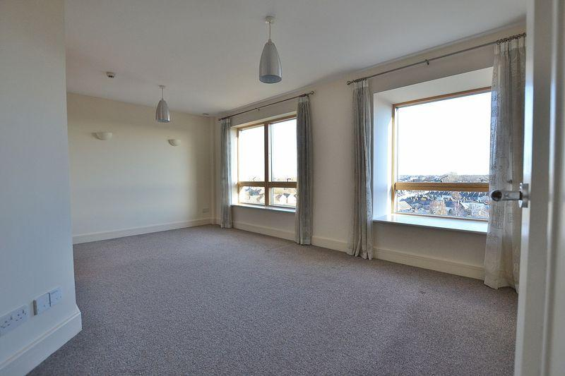 2 Bedrooms Apartment Flat for sale in Sherman Road, Bromley