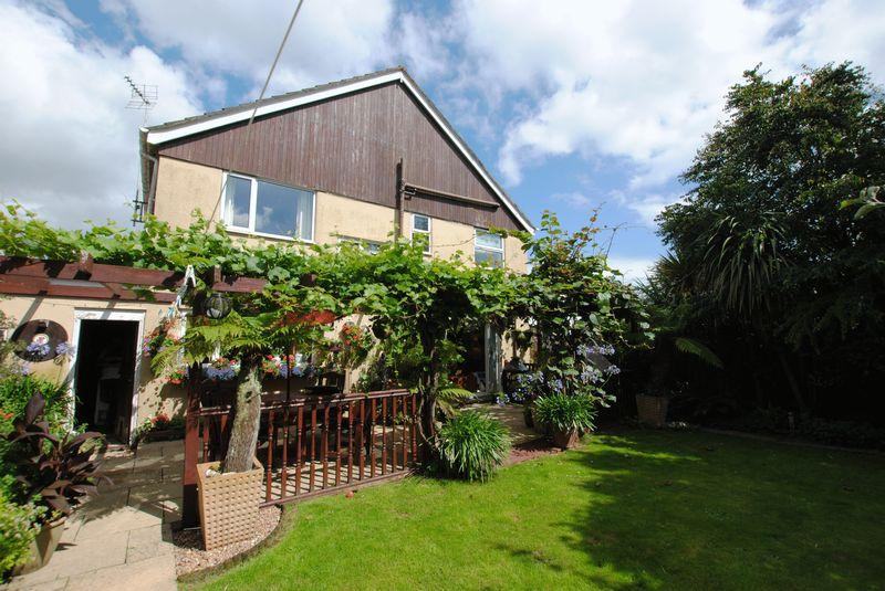 5 Bedrooms Detached House for sale in Fairmead Road, Saltash