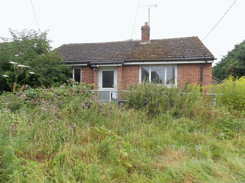 2 Bedrooms Bungalow for sale in Rose Lane, Elmswell