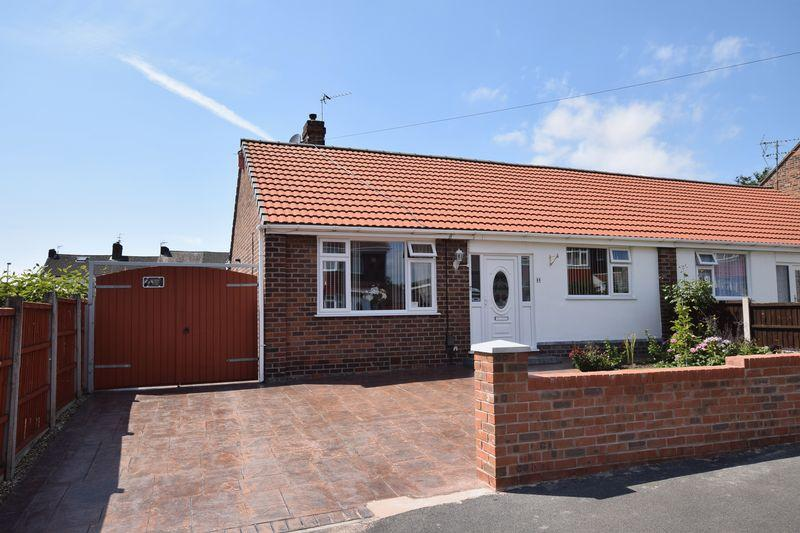 2 Bedrooms Semi Detached House for sale in Marion Drive, Weston Village