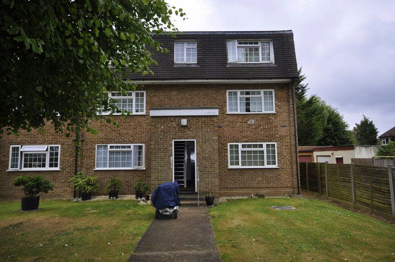 1 Bedroom Apartment Flat for sale in Marsh Close, Waltham Cross