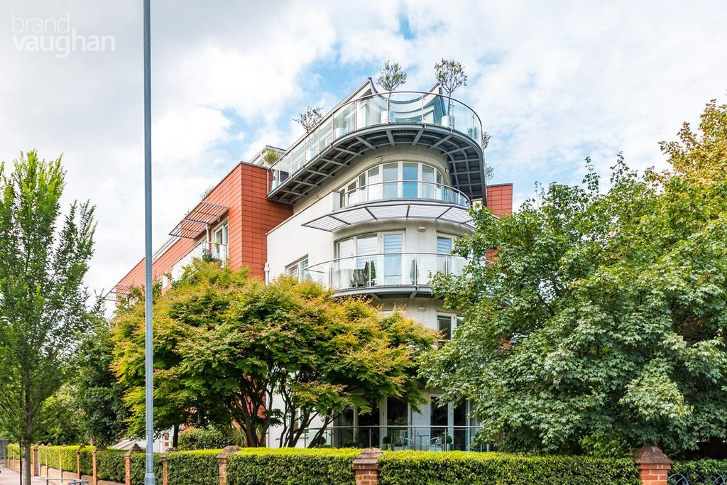 2 Bedrooms Apartment Flat for sale in Preston Park Avenue, Brighton, BN1