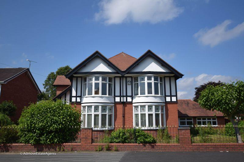 5 Bedrooms Detached House for sale in Higher Knutsford Road, Stockton Heath