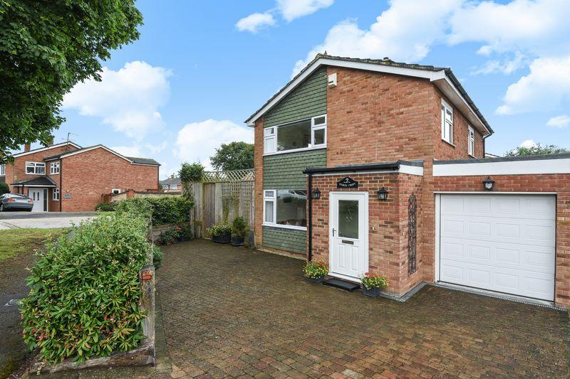 3 Bedrooms Detached House for sale in Haddenham, Buckinghamshire