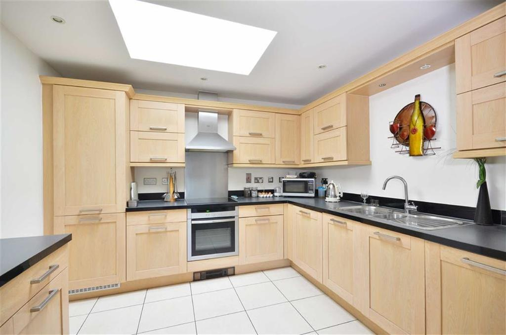 2 Bedrooms Apartment Flat for sale in Woodgate Mews, Watford, Hertfordshire