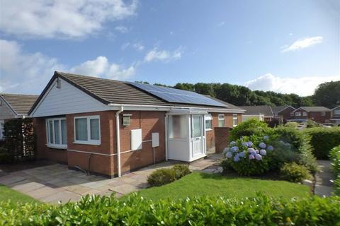 3 bedroom detached bungalow for sale - 16, Wenham Drive, Meir Park