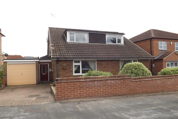 4 Bedrooms Bungalow for sale in Watson Avenue, Bakersfield, Nottingham, NG3