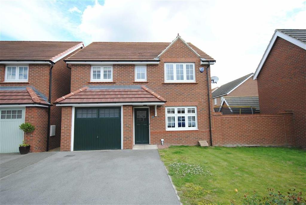 4 Bedrooms Detached House for sale in Saxon Way, Sherburn-In-Elmet, Leeds, LS25