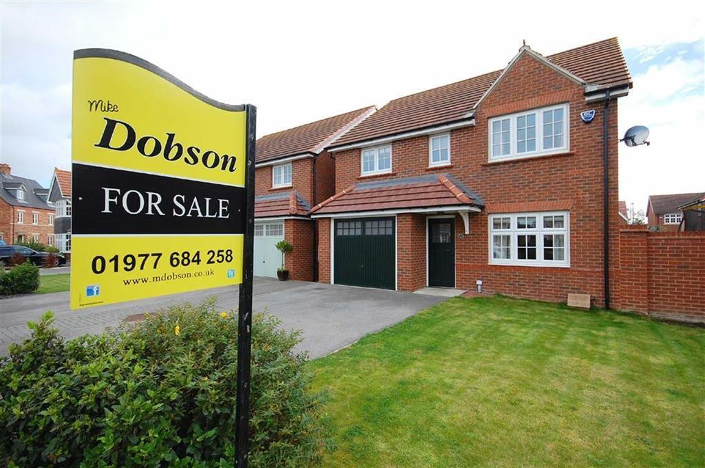 4 Bedrooms Detached House for sale in Saxon Way, Sherburn-In-Elmet, Leeds, LS25