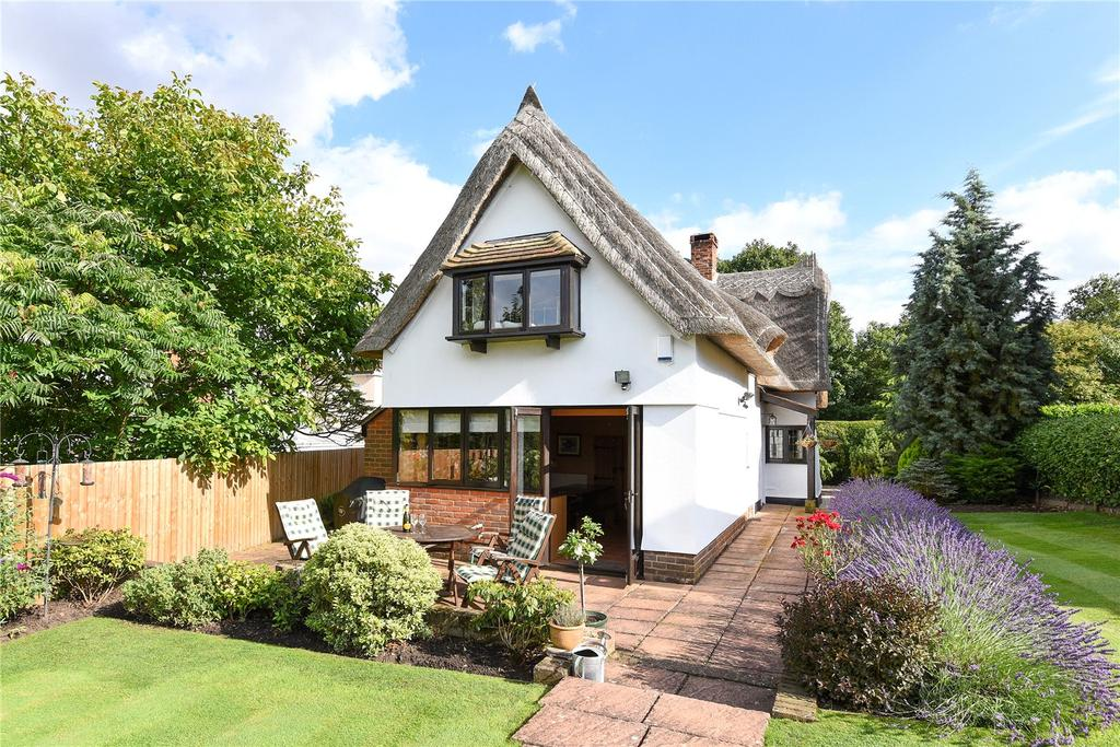 4 Bedrooms Unique Property for sale in Stebbingford Cottages, Braintree Road, Stebbing, Dunmow, CM6