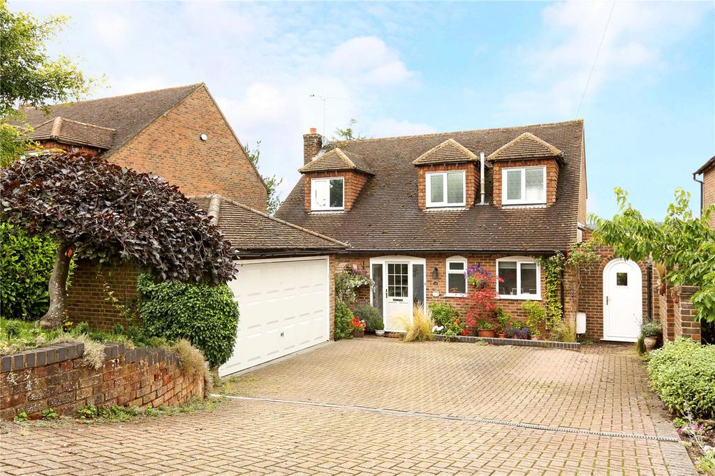4 Bedrooms Detached House for sale in Frieth Road, Marlow, Buckinghamshire, SL7