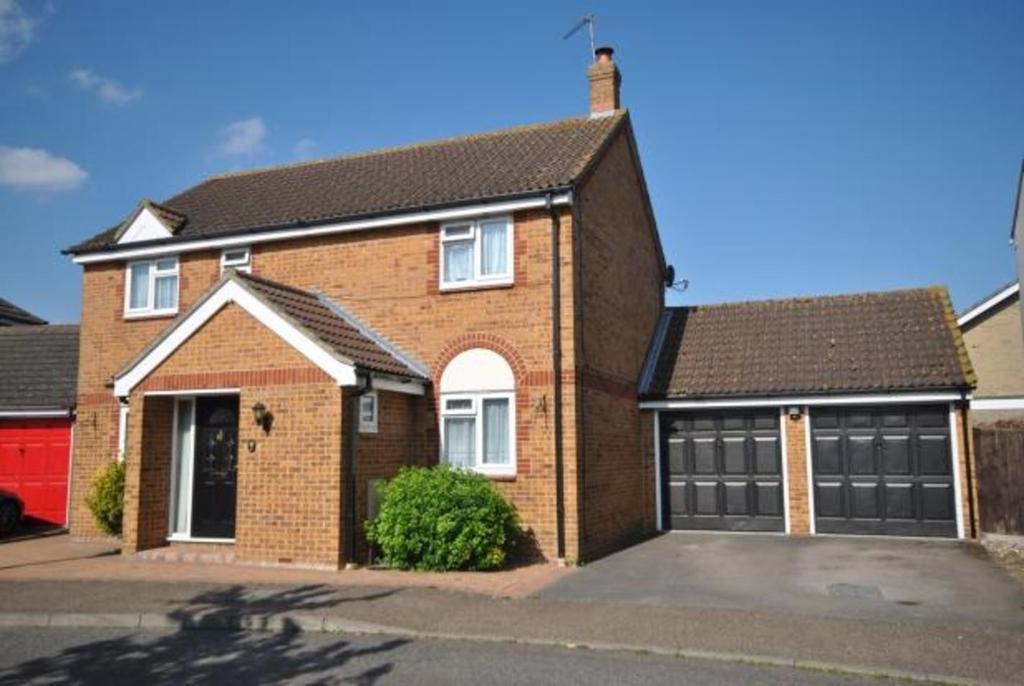 4 Bedrooms Detached House for sale in Armonde Close, Boreham, Chelmsford, Essex, CM3