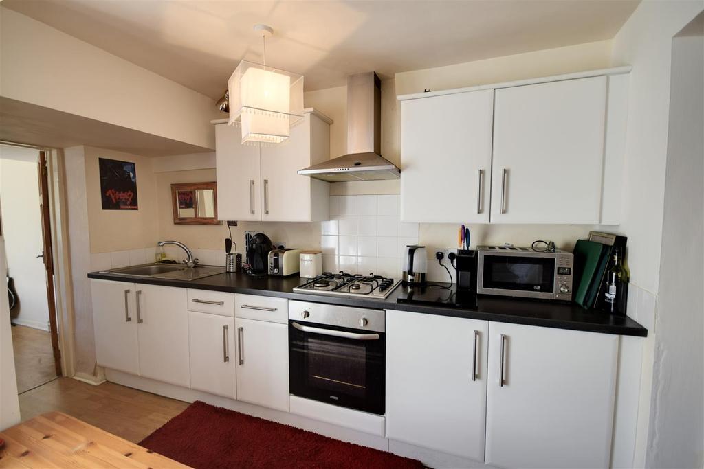 2 Bedrooms Flat for sale in Winchelsea Road, Rye