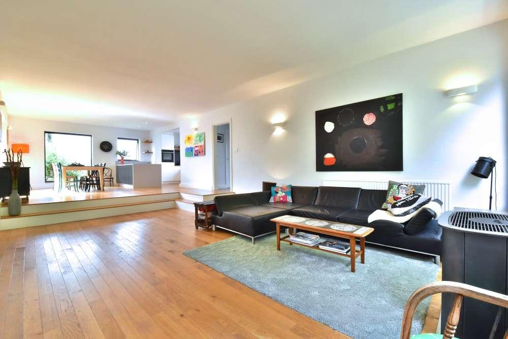 6 Bedrooms Detached House for sale in Ivestor Terrace