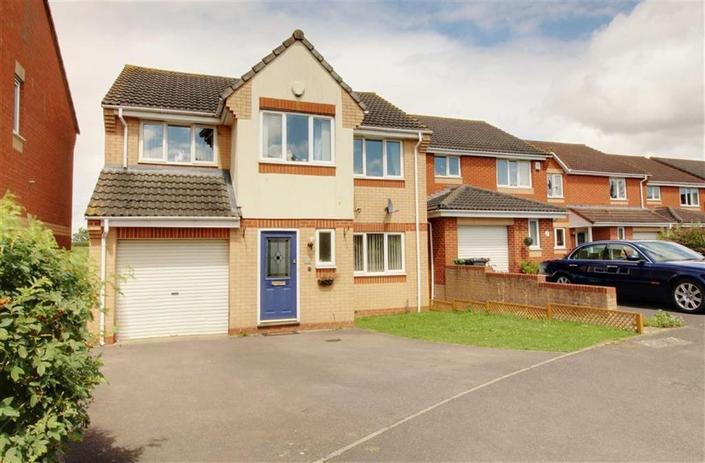 4 Bedrooms Detached House for sale in Arrowsmith Drive, Stonehouse, Gloucestershire