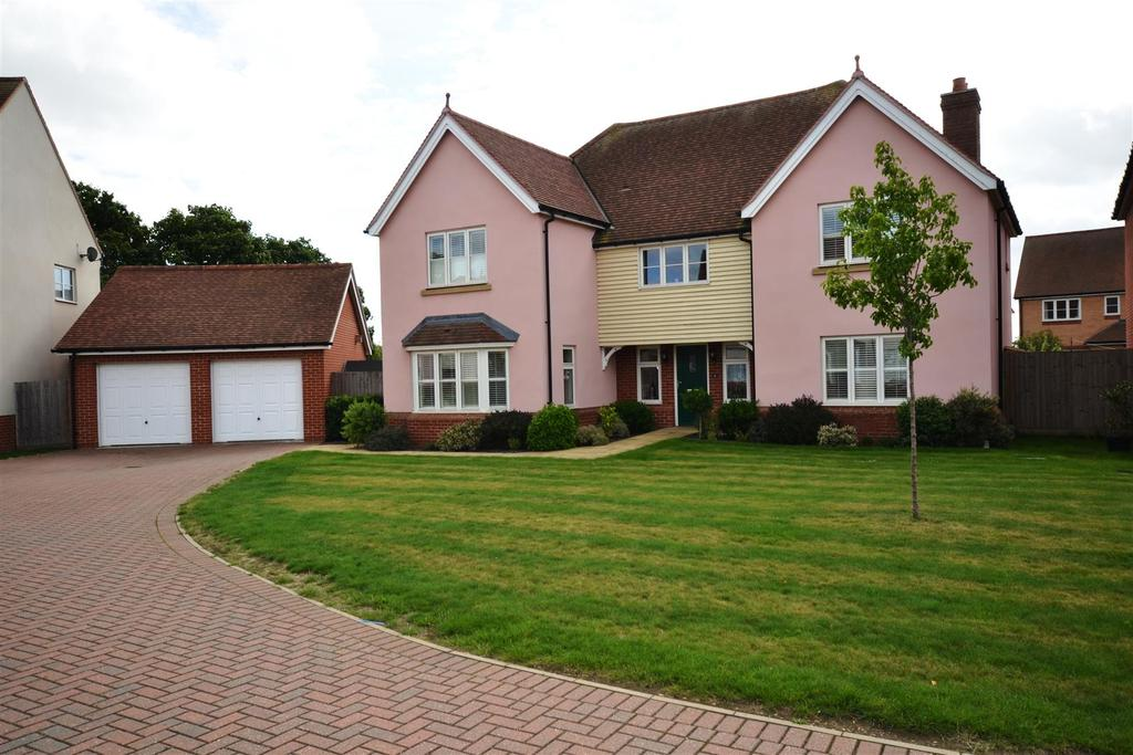 5 Bedrooms Detached House for sale in Hering Drive, Heybridge, Maldon