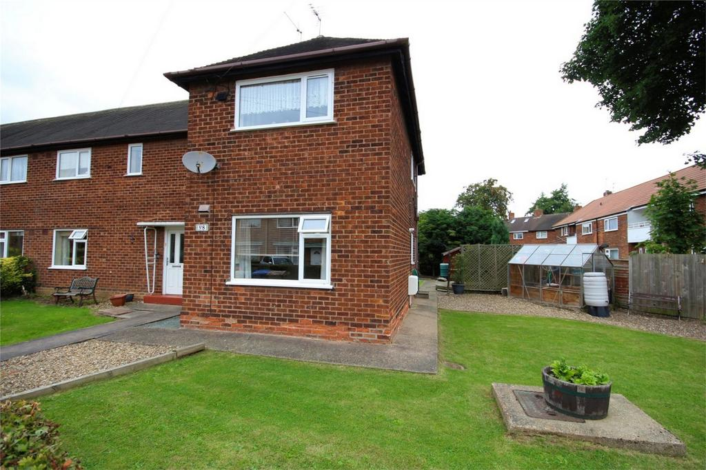 2 Bedrooms Flat for sale in Lea Crescent, Cottingham, East Riding of Yorkshire