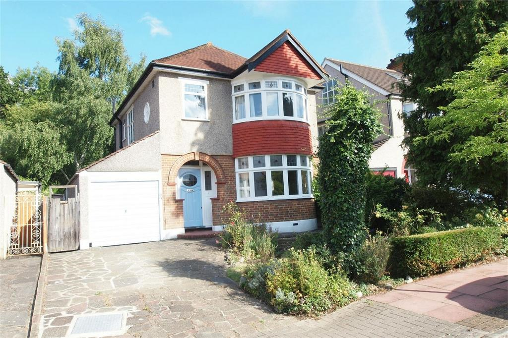 3 Bedrooms Detached House for sale in The Grove, West Wickham, Kent