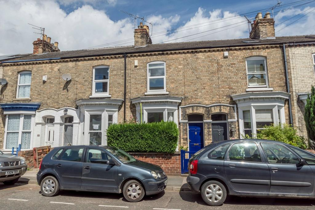 2 Bedrooms Terraced House for sale in Fountayne Street, Off Haxby Road, YORK