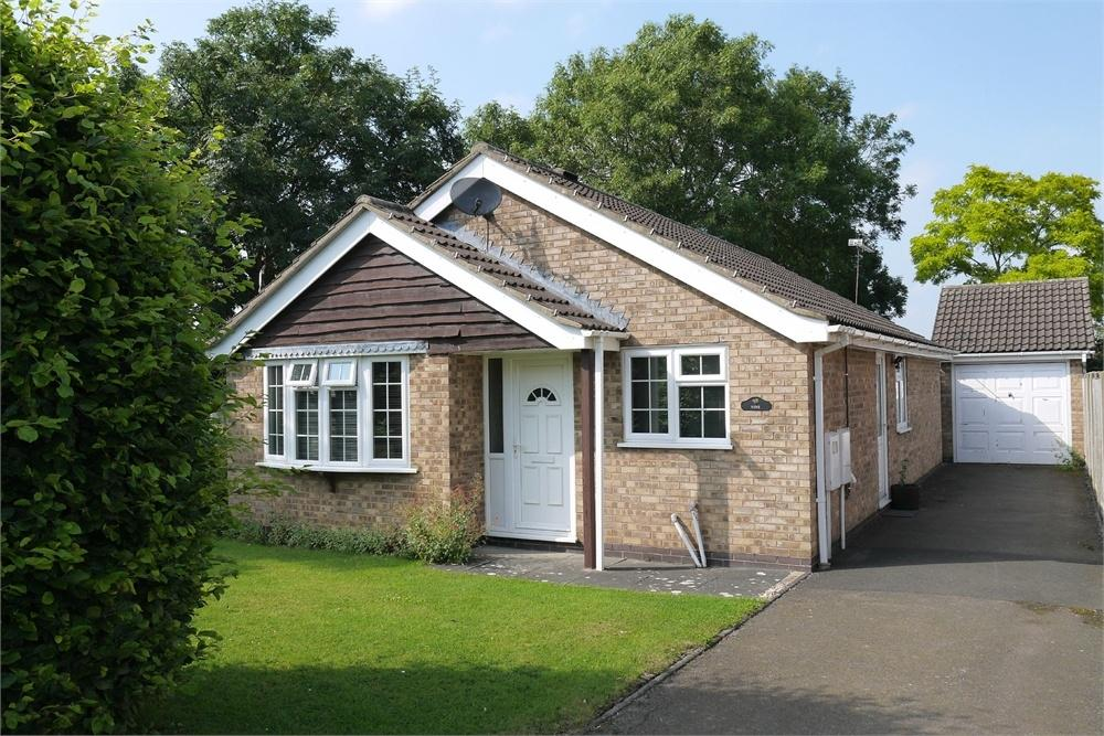 3 Bedrooms Detached Bungalow for sale in Vaughan Close, Market Harborough, Leicestershire