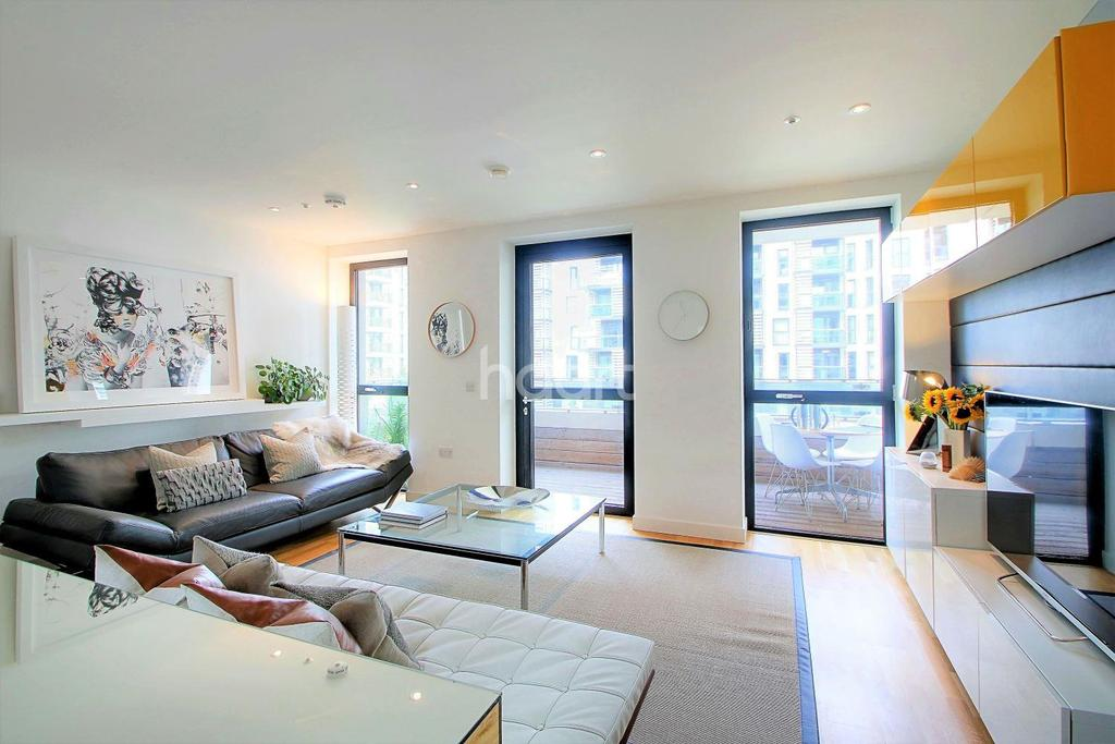 2 Bedrooms Flat for sale in Festuca House, London, E20