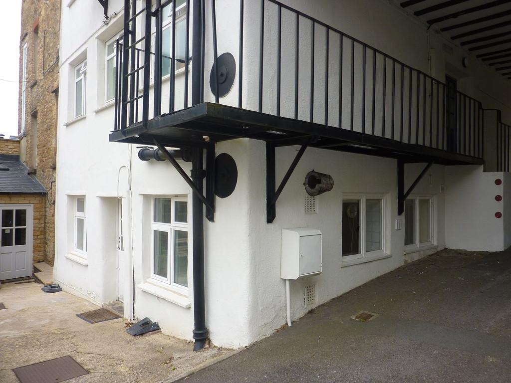 2 Bedrooms Apartment Flat for sale in Chipping Norton, Oxfordshire