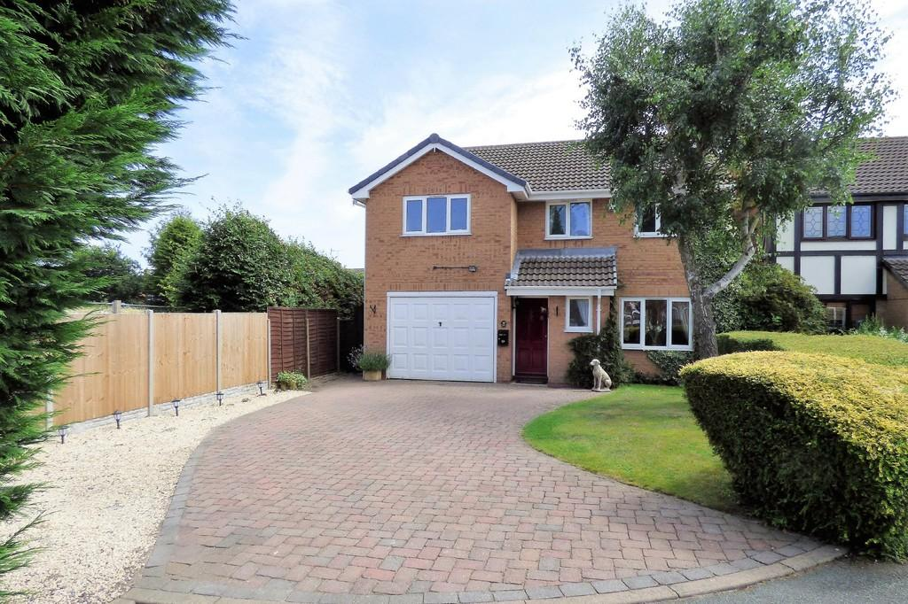 4 Bedrooms Detached House for sale in Arthurs Court, Stretton