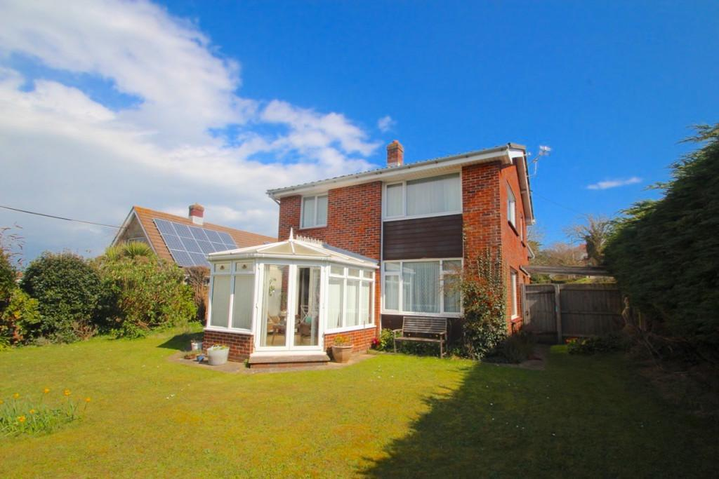 3 Bedrooms Link Detached House for sale in Kendal Road, Totland Bay