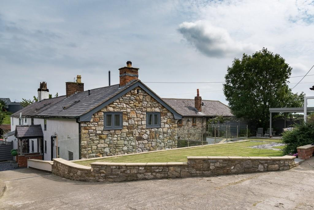 4 Bedrooms Cottage House for sale in Trelogan Farm, Trelogan