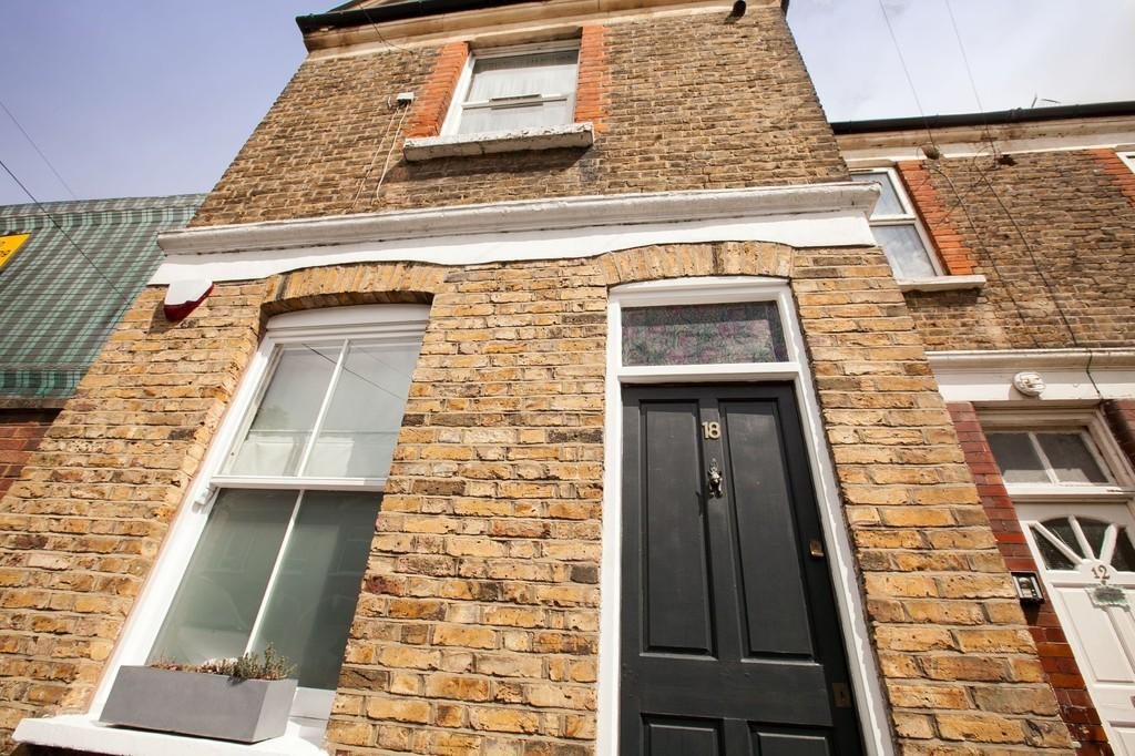 1 Bedroom Apartment Flat for sale in Margaret Road, London